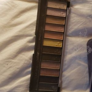 in the night/Pacifica Makeup - Eyeshadow bundle!! So many colors and shades